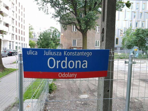 Pomylili imię patrona  tvnwarszawa.pl
