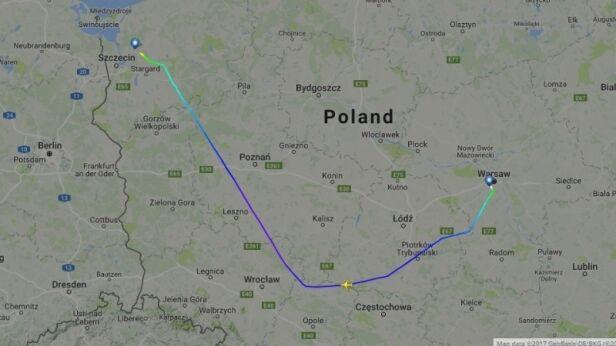 Trasa samolotu Warszawa - Szczecin (wtorek, 6 czerwca, godz. 21:30) flightradar24.com