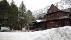 W Tatrach leży śnieg (PAP/Grzegorz Momot)