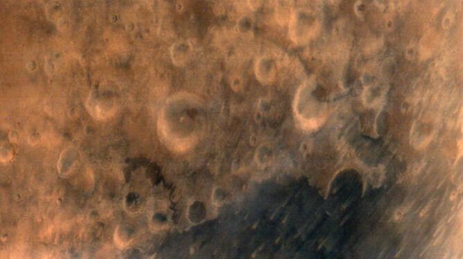 Indie mają już pierwsze zdjęcia Czerwonej Planety. Mangalyaan spisuje się na medal