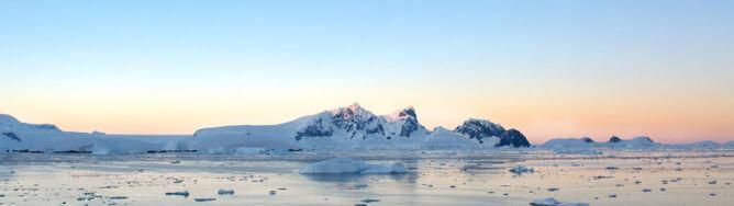 Czy Ziemię niedługo zaleje woda? Odpowiedź pod lodem Antarktydy